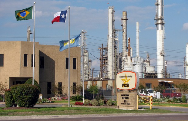 Petrobras scandal not far from home. The Pasadena Refining company on Red Bluff Road in Pasadena,... [+] Texas was priced at the market at around $126 million. Petrobras paid over $1 billion for a decrepit refinery built in 1920. (Wikimedia Commons)