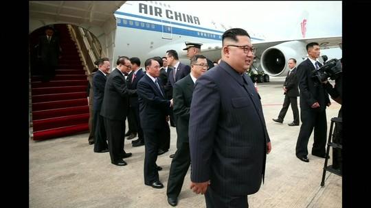 Kim Jong-un chega a Singapura para cúpula com Trump