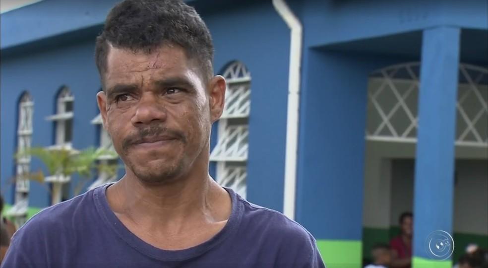 Luís Carlos Rodrigues da Silva tentou socorrer o sobrinho agredido a pauladas (Foto: TV TEM/Reprodução)