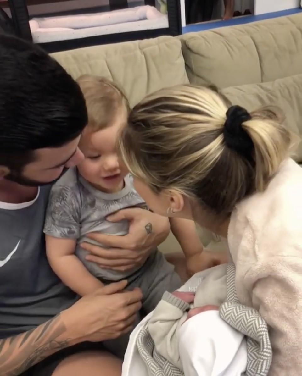 Gusttavo Lima, Adressa Suita e os filhos Gabriel e Samuel (Foto: Reprodução/Instagram)