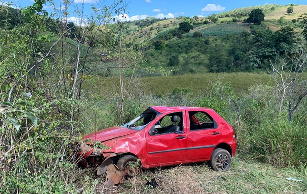 Criança morre e outras cinco pessoas ficam feridas em acidente de carro  — Foto: Blog do Marcos Frahm