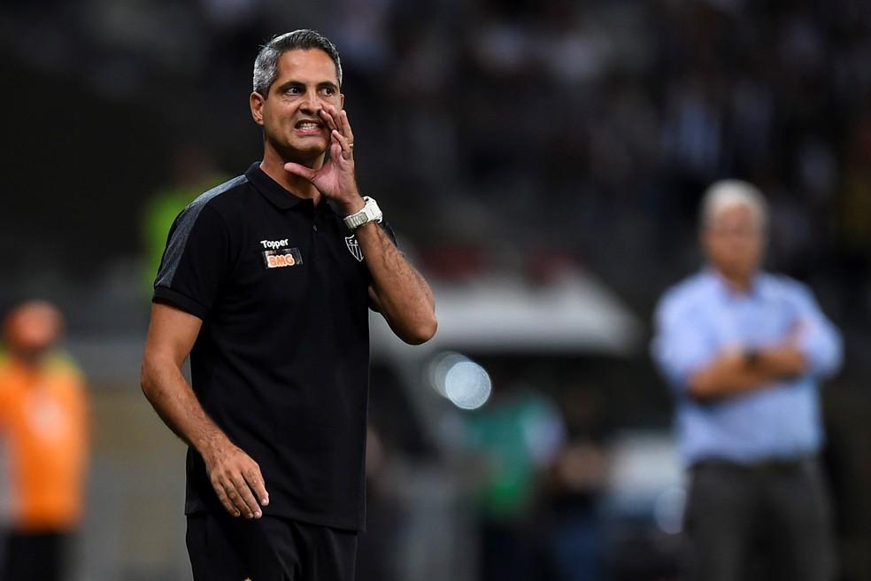 Rodrigo Santana vem comandando o time desde a saída de Levir Culpi — Foto: EFE/ Yuri Edmundo