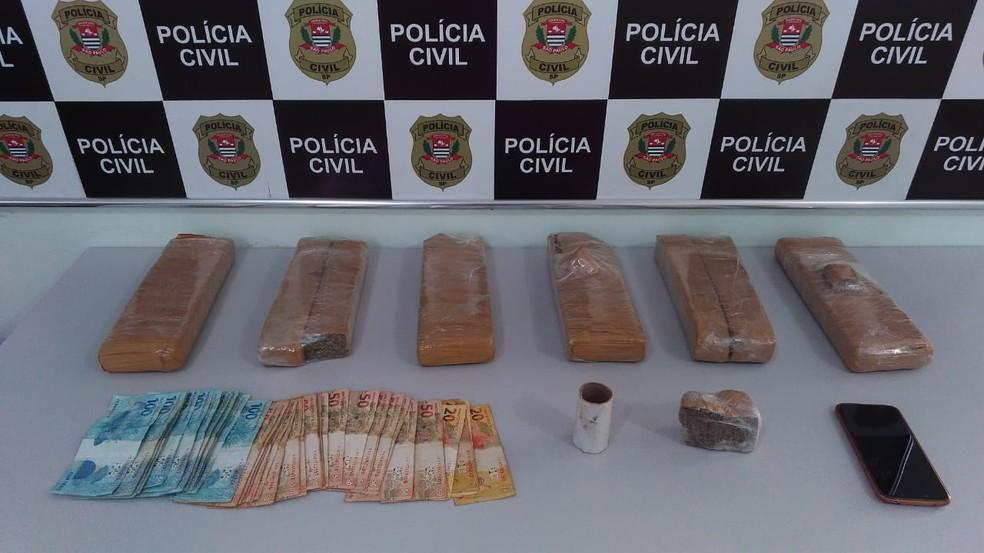 Polícia recebeu informação de que os suspeitos comercializavam drogas trazidas do Paraguai — Foto: Polícia Civil/Divulgação