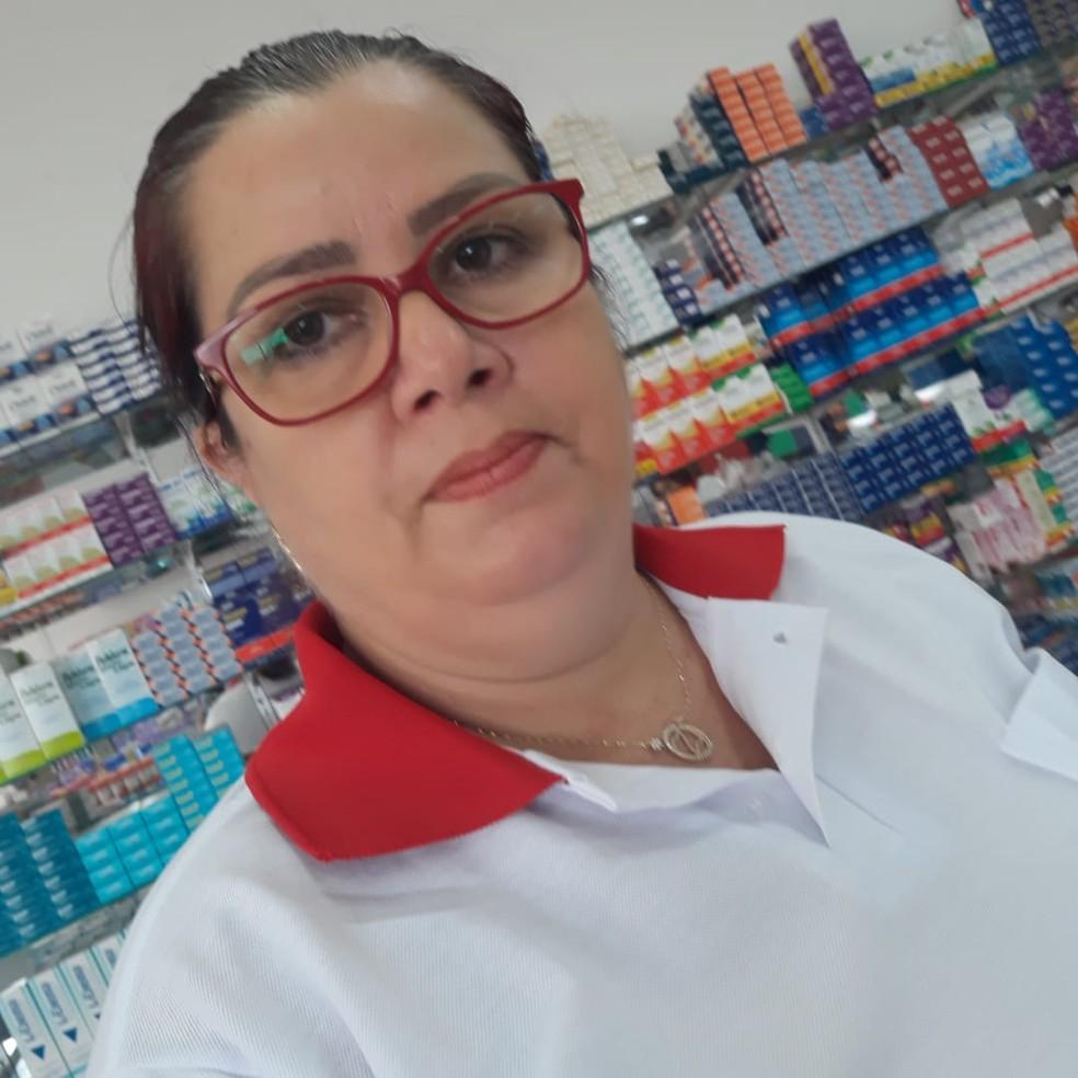 Com 26 anos de experiência, dra. Zuzel Ramos Rodriguez é uma entre médicos cubanos que viraram atendentes de farmácia no RN — Foto: Cedida