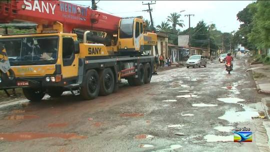 Buracos tomam conta do bairro Cruzeiro de Santa Bárbara em São Luís