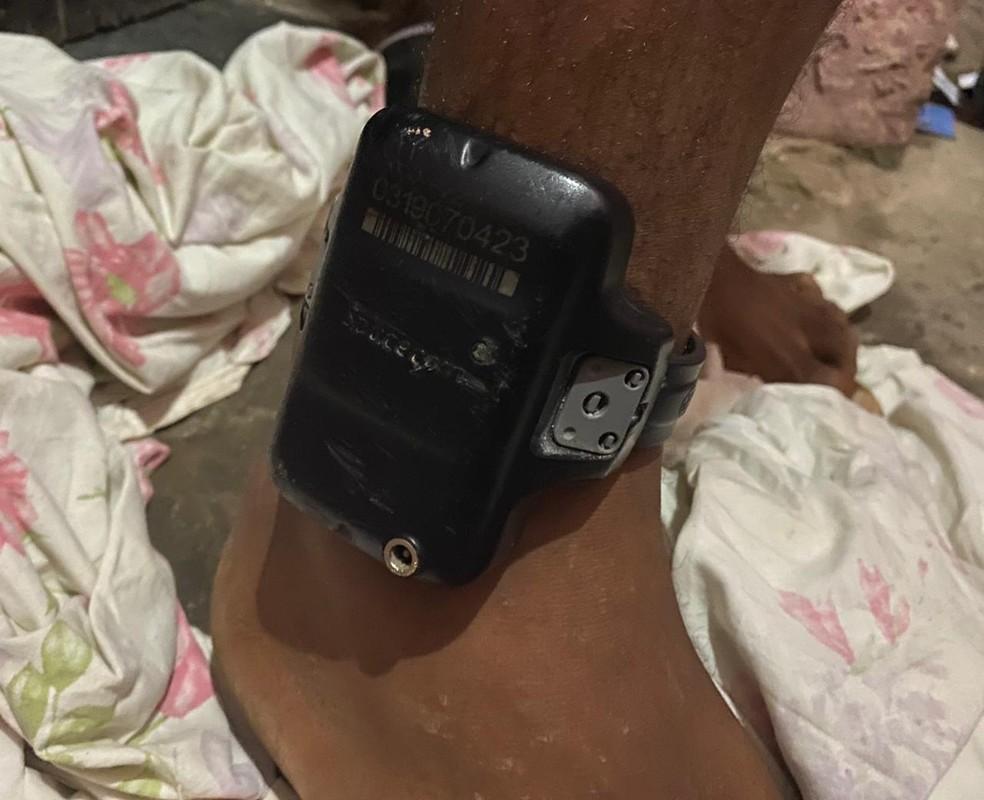 Suspeito de roubos a bancos e veículos na Bahia é preso em operação policial após violar tornozeleira eletrônica — Foto: Divulgação/Polícia Civil