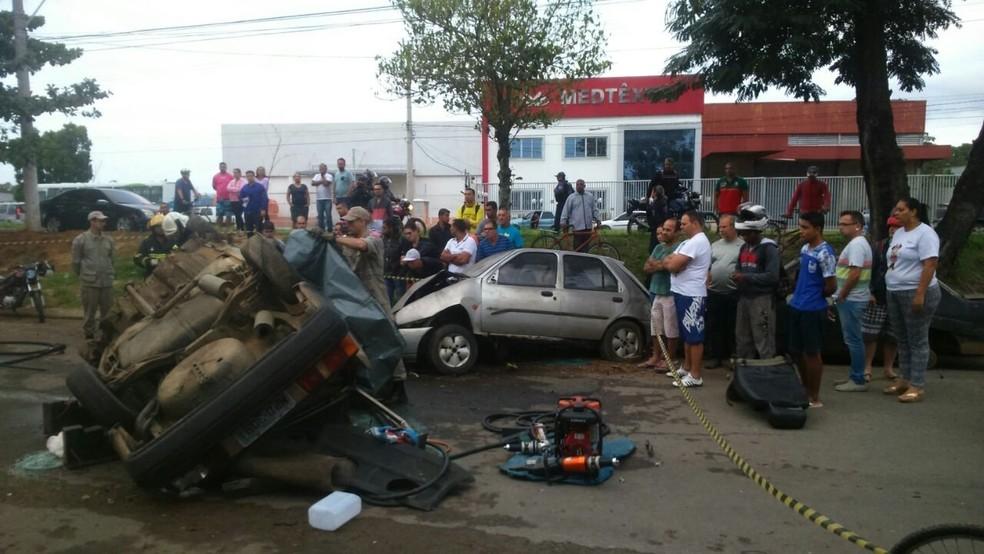 Acidente na rodovia Darly Santos em Vila Velha (Foto: Bernardo Coutinho/ A Gazeta)