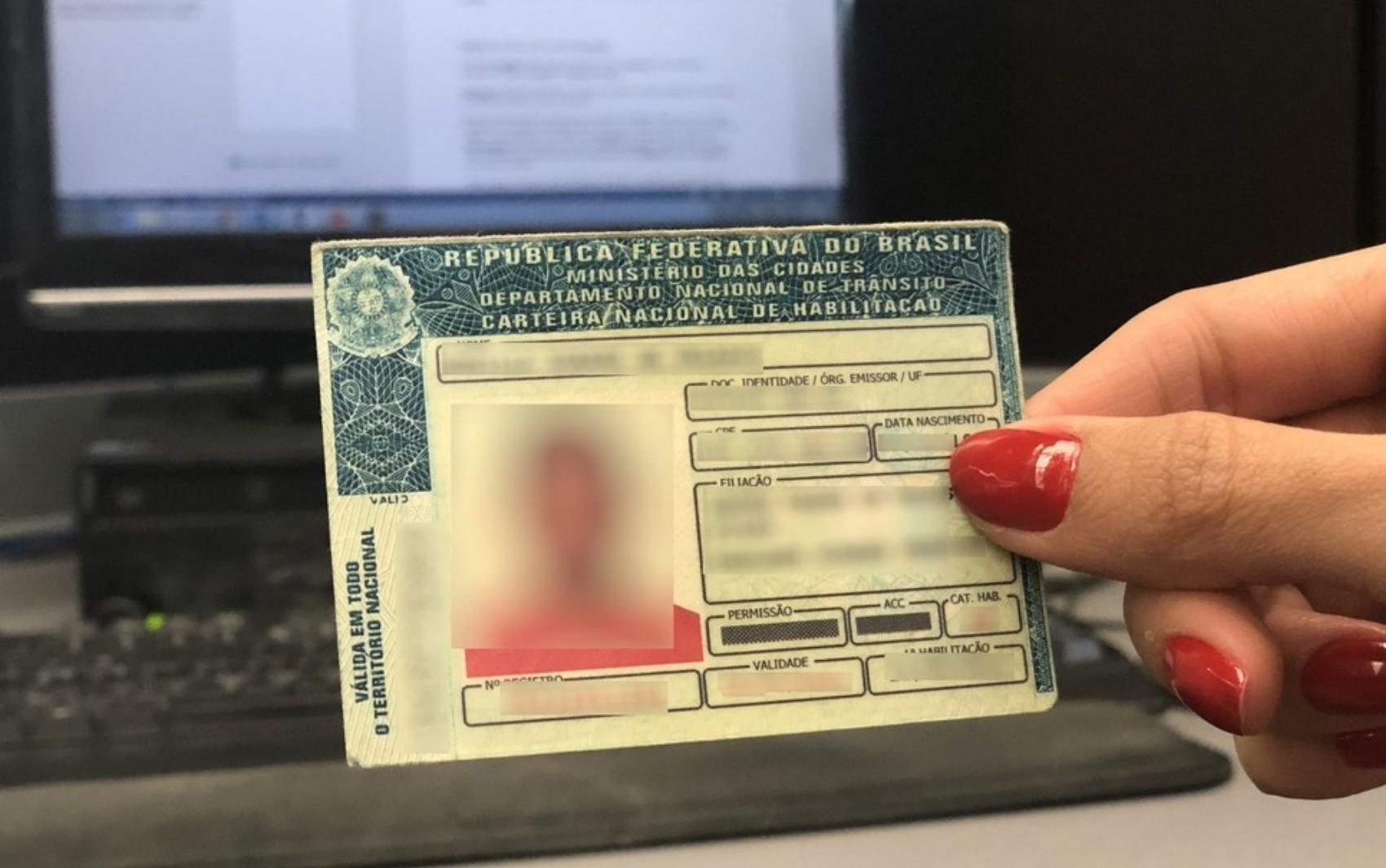 Detran de SP retoma prazos para renovação de CNHs vencidas na pandemia; renovações começam em janeiro de 2021