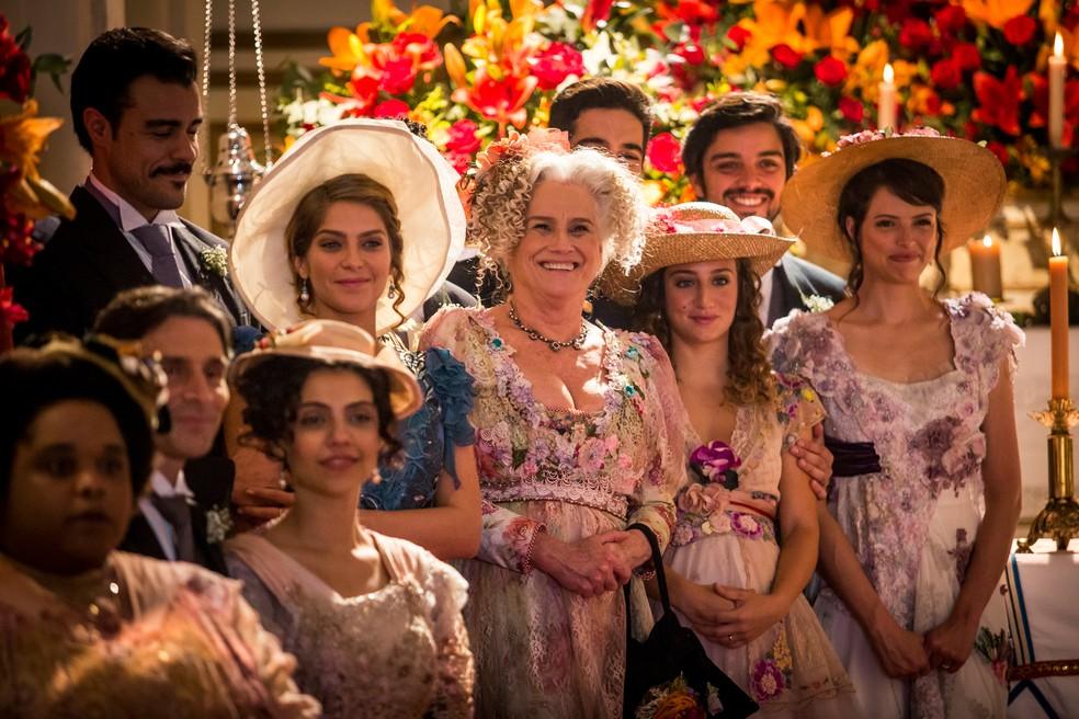 A família Benedito marcou presença no casamento de Aurieta e Jane e Camilo  — Foto: Fabiano Battaglin/Gshow