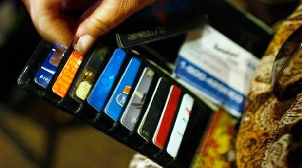 Cartão de crédito: entidade acredita que inadimplência continuará no mesmo patamar (Foto: Reprodução)