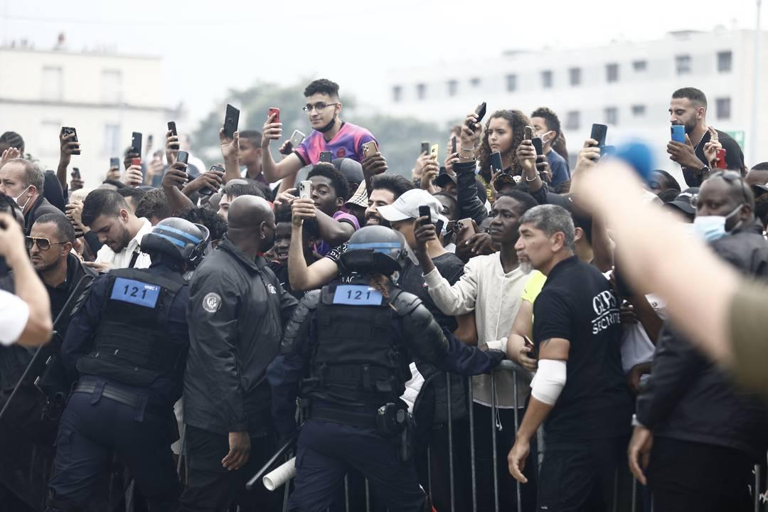 Torcida PSG Parque dos Príncipes Messi