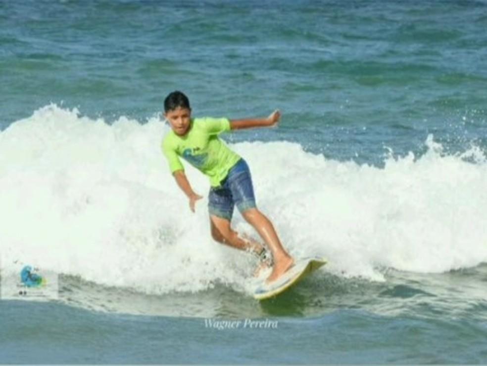 Gabriel Machado, de 14 anos, era surfista e desapareceu após se afogar na praia de Miami, na Zona Leste de Natal. — Foto: Cedida