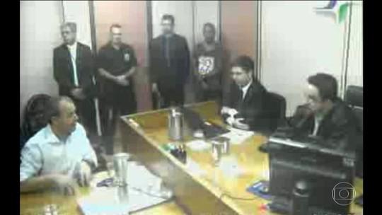 Juiz manda transferir Cabral para presídio federal após bate-boca