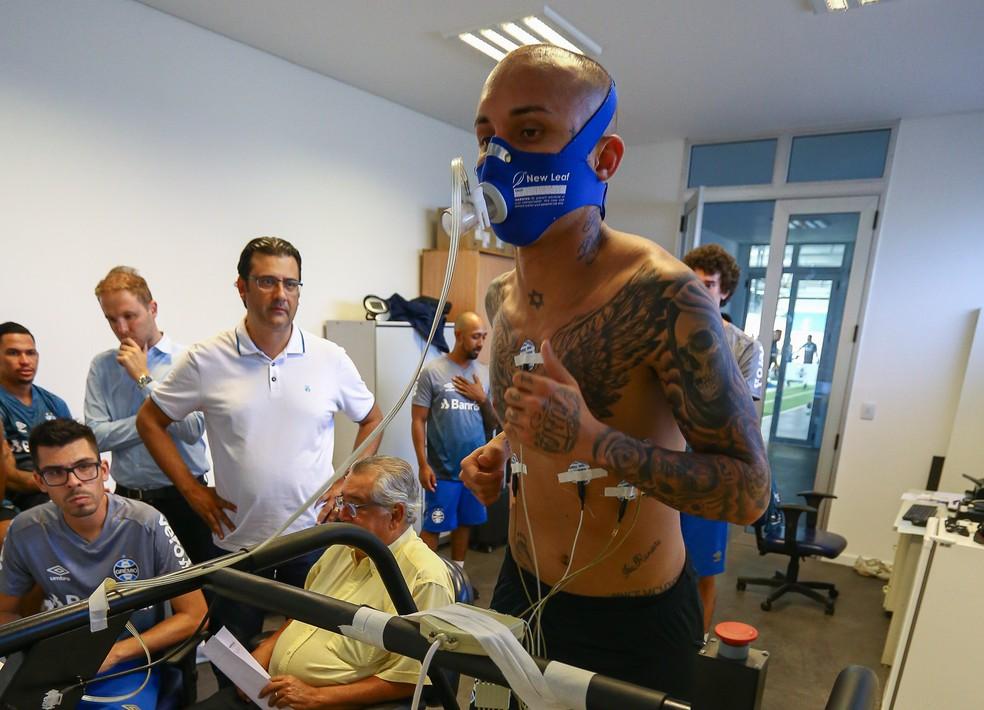 Everton em teste físico na pré-temporada do Grêmio — Foto: Lucas Uebel/Grêmio
