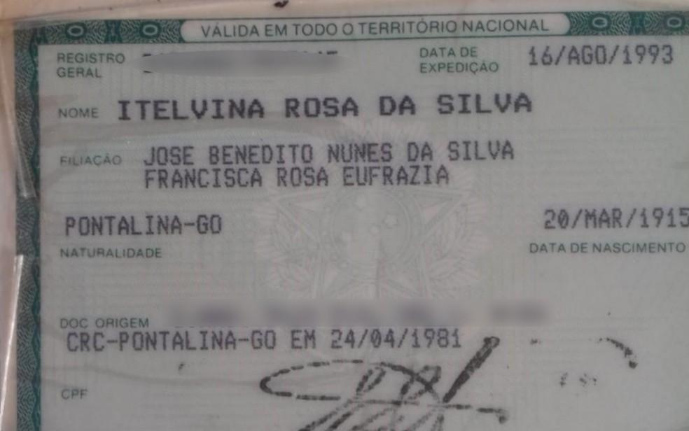 Documento de Itelvina Rosa da Silva, nascida em 1915, em Goiás — Foto: Nair Rosa Pereira/Arquivo pessoal