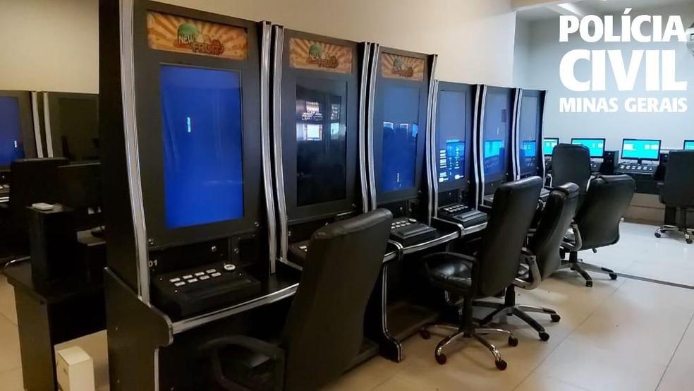 Operação contra jogos de azar prende 20 pessoas e apreende 220 máquinas caça-níqueis em BH. — Foto: Polícia Civil de Minas Gerais
