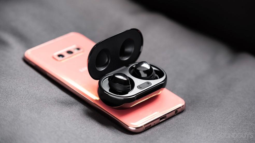 Celulares poderão usar NFC para recarregar dispositivos futuramente — Foto: Reprodução/Android Authority