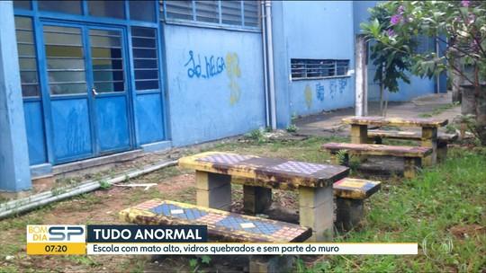 Escola da Zona Sul de SP está abandonada e com salas inutilizadas