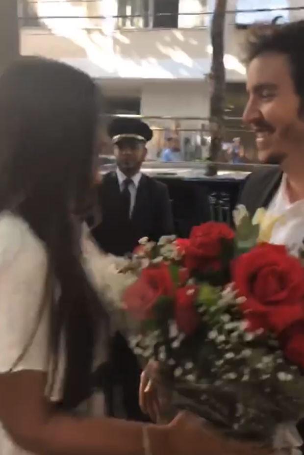 Wagner Santisteban pede Antonia Morais em casamento (Foto: Reprodução)