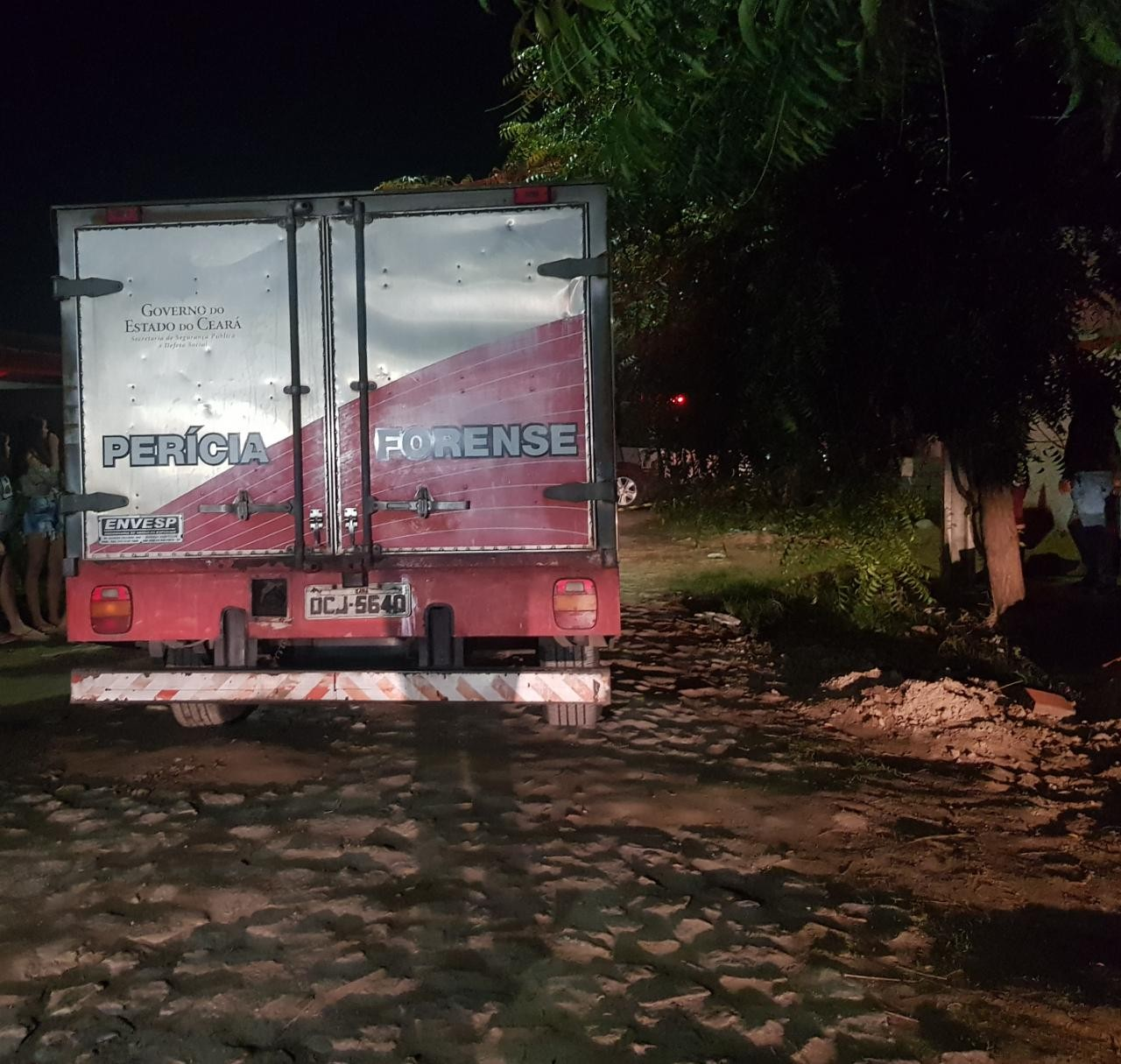 Ocupantes de veículo matam homem a tiros na Região Metropolitana de Fortaleza
