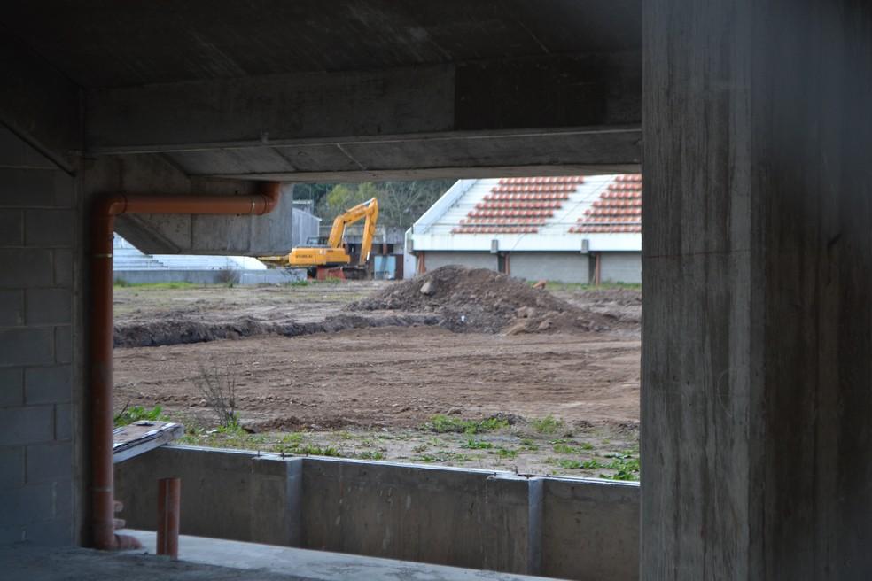 Estádio do Estudiantes passa por obras, em ritmo lento (Foto: Eduardo Moura)