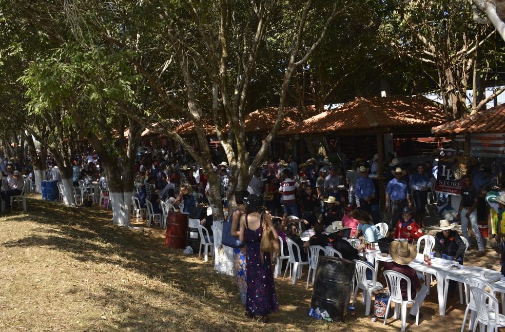 Competição culinária de comidas típicas movimento o parque de exposições da APA após a cavalgada (Foto: Jeferson Carlos/G1)