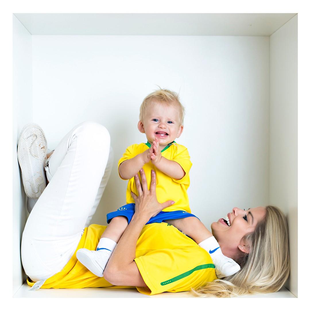 Karina e Enrico Bacchi: Hoje tem Copa, tem Brasil ! Estou Feliz !!!!!vamos torcer, vibrar, se emocionar  (Foto: Reprodução/Instagram)