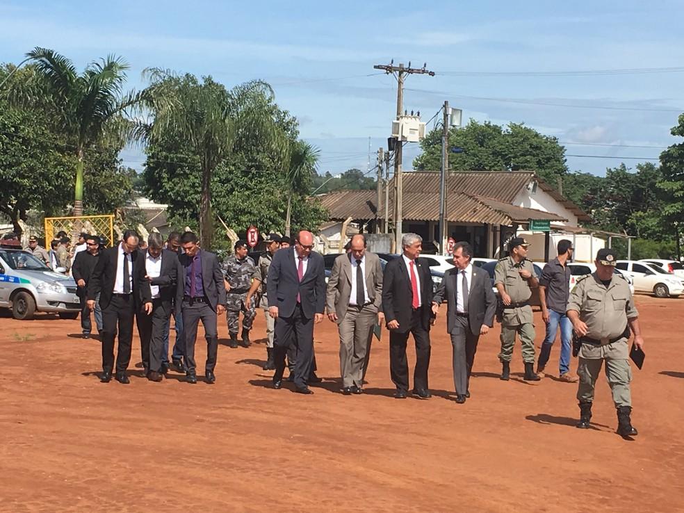 Após ordem da ministra Cármen Lúcia, comissão vistoria presídio onde 9 presos morreram (Foto: Paula Resende/G1)