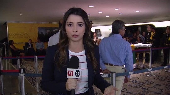 Despedida ao ex-governador Joaquim Roriz reúne mais de 2 mil pessoas em Brasília