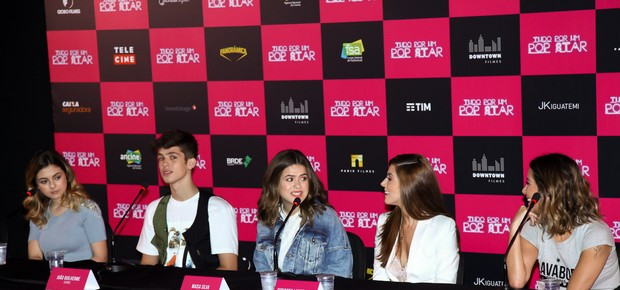 Klara Castanho, João Guilherme, Maisa Silva, Giovanna Lancellotti e Thalita Rebouças (Foto: Brazil News / Marcos Ribas)
