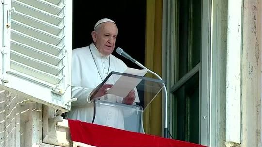 Papa pede compromisso global para combater queimadas na Amazônia