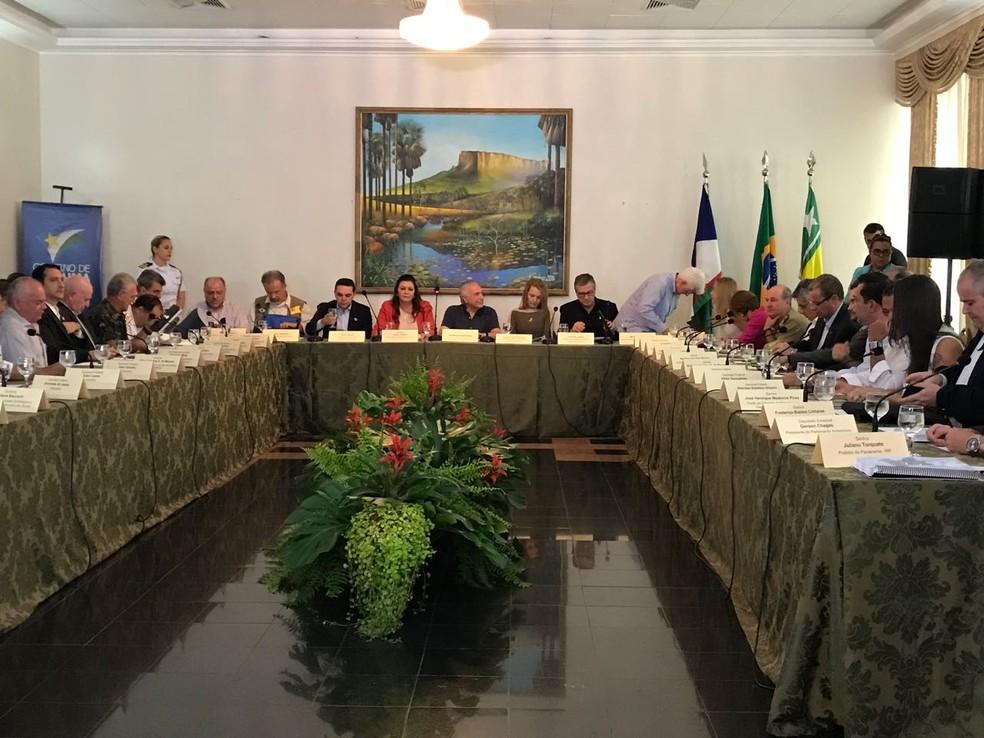 Reunião com o presidente Temer começou às 11h22 (hora local) no Palácio Senador Hélio Campos, em Boa Vista (Foto: Inaê Brandão/G1 RR)