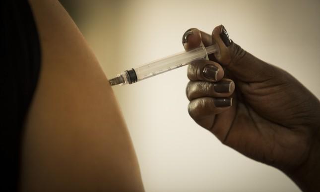 Faperj vai apoiar pesquisas para desenvolver e avaliar vacinas e terapias contra a Covid-19