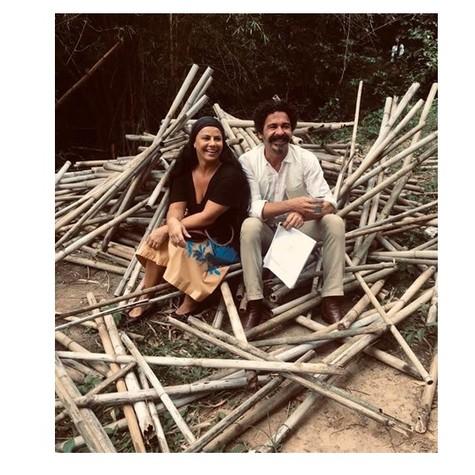 Viviane Araújo e Marcelo Gonçalves em bastidores do filme 'Recomeçar' (Foto: Divulgação)