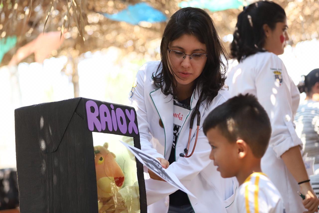 Voluntários promovem ação social em escola de comunidade carente em Rio Branco - Notícias - Plantão Diário