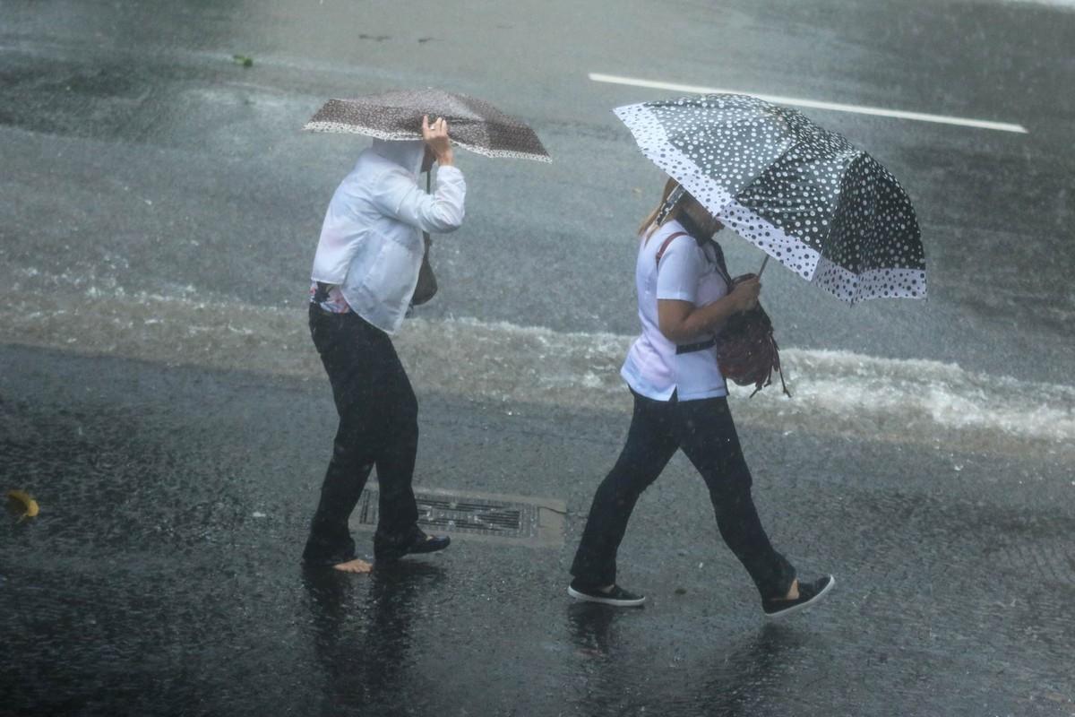 Pernambuco tem alerta para chuvas moderadas a fortes em três regiões