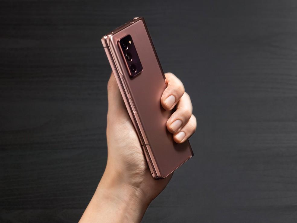 Galaxy Z Fold 2 passou por certificação e já pode ser lançado no Brasil — Foto: Divulgação/Samsung