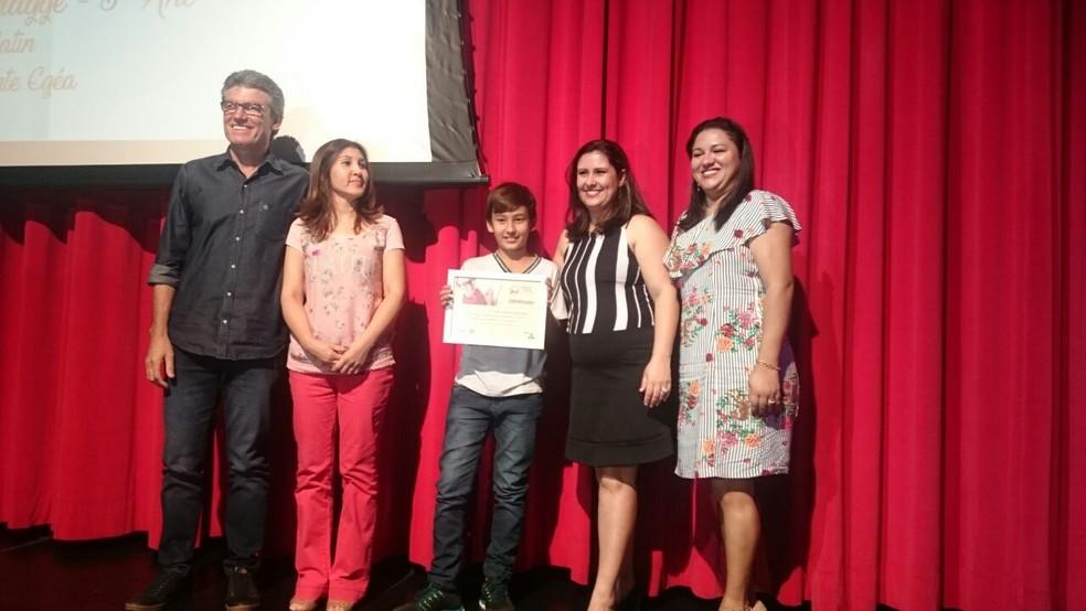 Primeiro lugar da categoria 'Poesia' ficou com Daniel Wacamatsu Montes Biagge, da Emef Francisco Arnaldo da Silva, de Fernandópolis (SP) (Foto: Marcos Lavezo/G1)