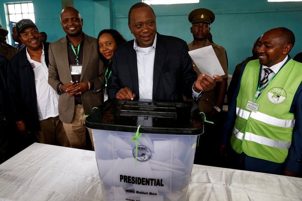 Com 98,26% dos votos, Uhuru Kenyatta é reeleito presidente do Quênia