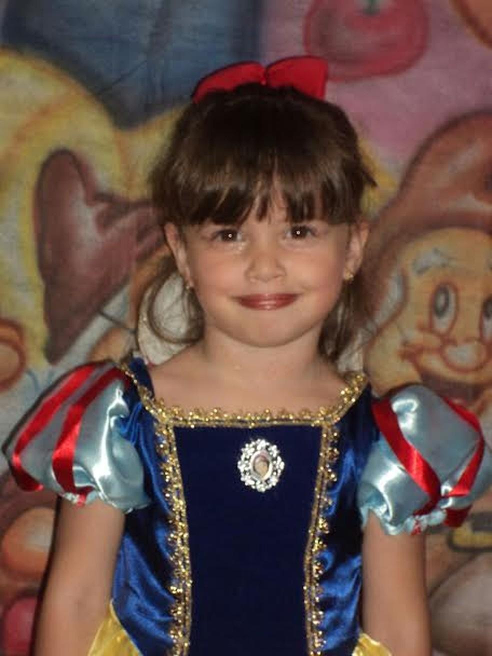 Beatriz Angélica Mota foi assassinada no dia 10 de dezembro de 2015, aos 7 anos de idade — Foto: Arquivo pessoal / Família