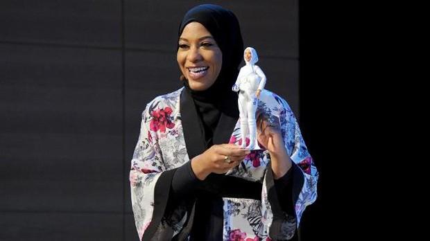 Mattel lança boneca Barbie inspirada em atleta muçulmana (Foto: Reprodução / Twitter)