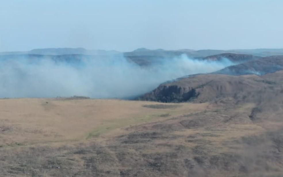 Combate a incêndio na Chapada dos Veadeiros em Goiás — Foto: Reprodução/Corpo de Bombeiros