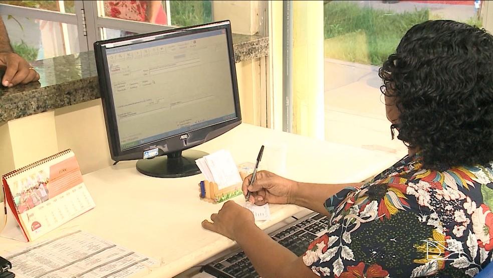 Maria José é atendente da hemomar e diz que o procedimento de doação é bem simples (Foto: Reprodução/TV Mirante)