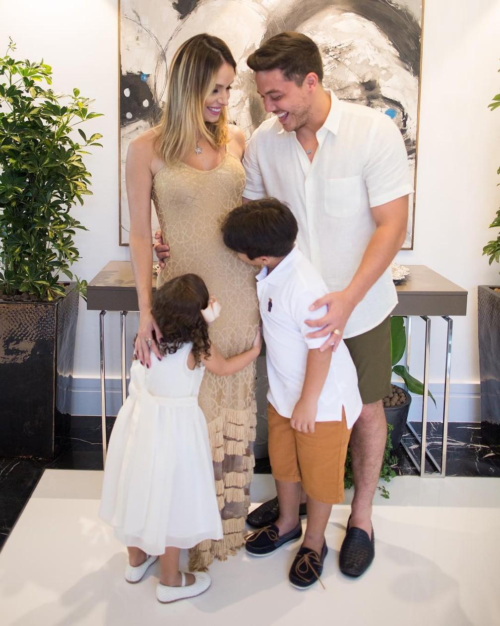 Wesley Safadão anuncia segunda gravidez de Thyane Dantas (Foto: Reprodução/Instagram)
