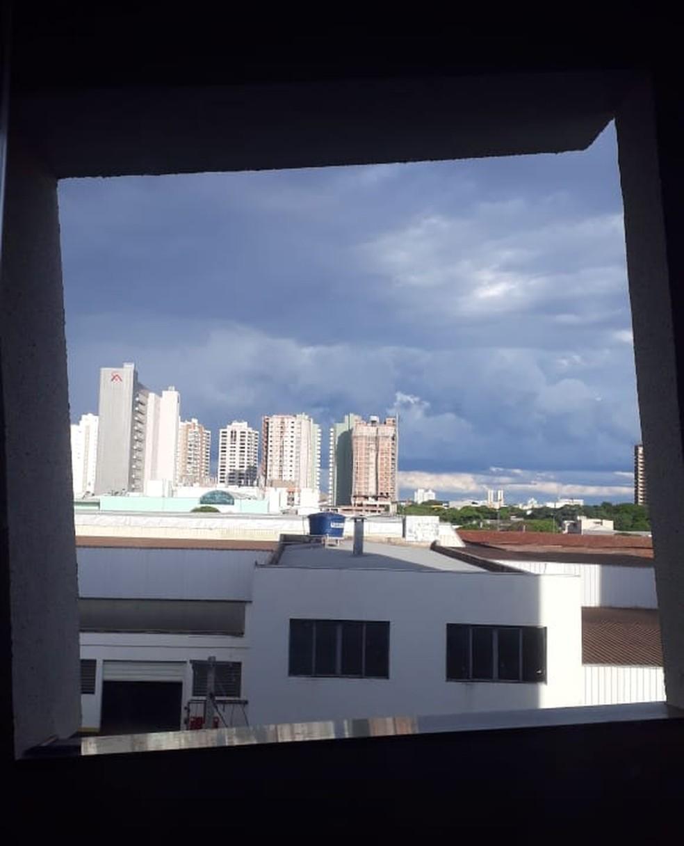 Janelas são o diferencial de prédio de Maringá — Foto: Eliana Ribeiro/Arquivo pessoal