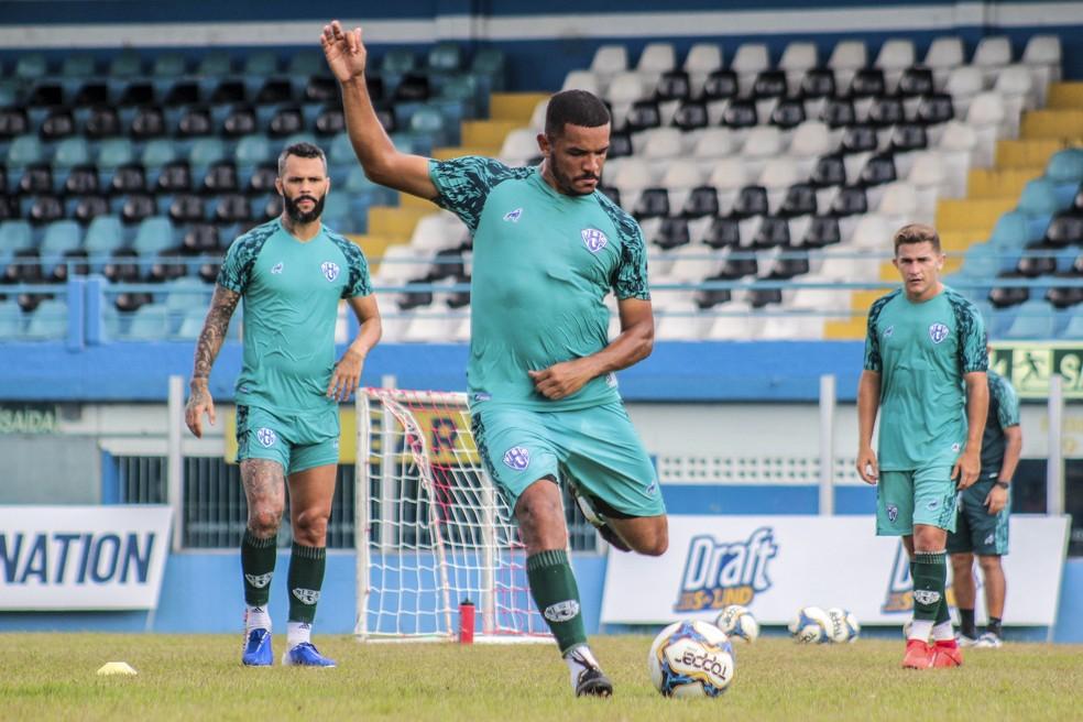 Jheimy disputa com Paulo Rangel e Paulo Henrique o comando de ataque do Paysandu — Foto: Jorge Luiz/Paysandu
