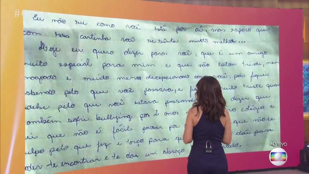 Jovem escreveu uma carta para o atirador que o baleou em uma escola no Paraná — Foto: TV Globo