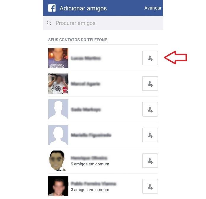 Adicionando os contatos salvos no celular à lista de amigos no Facebook (Foto: Reprodução/Lívia Dâmaso)