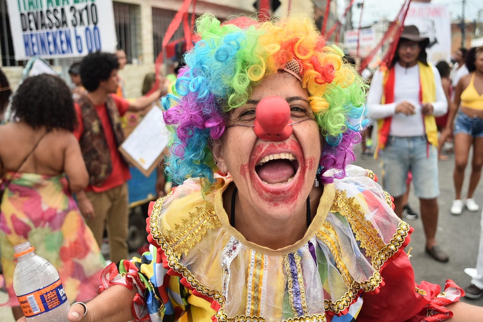 FOTOS: Veja imagens do desfile da Mudança do Garcia