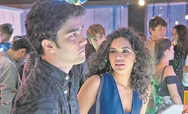 Giovana Cordeiro fará uma participação em 'Malhação: Vidas brasileiras'. Na trama, sua personagem, Carol, vai conhecer Hugo (Leonardo Bittencourt) numa festa (Foto: Estevam Avellar)